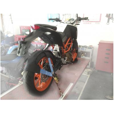 QTECH popruh pro uchycení pneu motorky